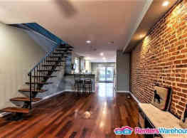 Completely upgraded, spacious 3bed/2.5bath in... - Baltimore