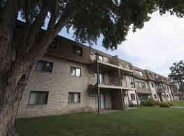 Pine Point Apartments - Coon Rapids