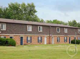 Astoria Apartments & Townhomes - Fort Wayne