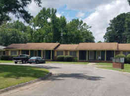 Briardale Apartment Homes - Warner Robins