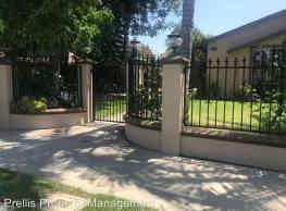11308 Hayvenhurst Ave - Los Angeles