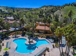 Malibu Canyon Apartments - Calabasas