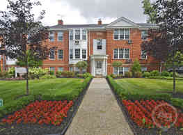 Shaker Square Apartments/The Woodlands - Cleveland