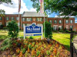 Skyland Apartments - Washington