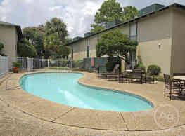 Shadow Creek - Baton Rouge
