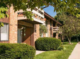 Whitnall Gardens Apartments - Hales Corners