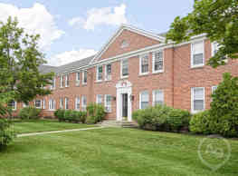 Williamsburg Court Apartments - Saratoga Springs