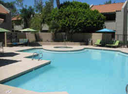 Paseo Park Apartment Homes - Glendale