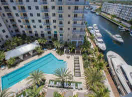 RESORT STYLE LIVIN ON THE WATER.CALL TO VIEW TODAY - Fort Lauderdale