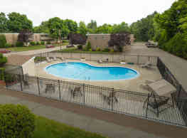 Sutton Place Apartments - Agawam