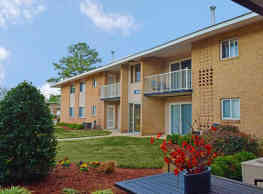 Colony Point Apartments - Norfolk