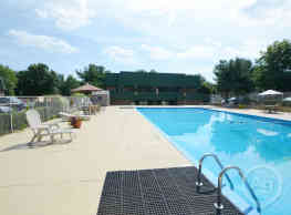 Timber Creek Apartments - Niles
