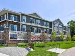 246 W Avenue Apartments - Saratoga Springs