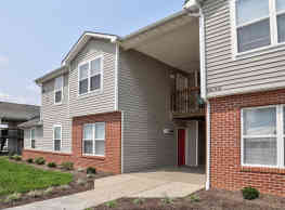 Austin Park and Clay Villa Apartments - Frankfort