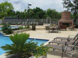 Highland Park Apartments - Fort Worth