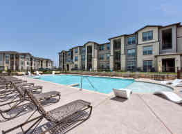 The Curve at Crescent Pointe - College Station