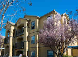 Oak Brook Apartments - Rancho Cordova