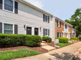 Williamsburg Manor Apartments - Cary