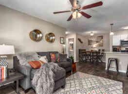 Epic Apartments - Daytona Beach