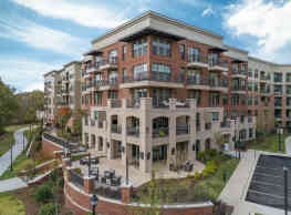 District West Apartments - Greenville