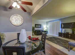Carolina Apartments - Carrboro