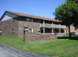 Village Park Apartments - Green Bay