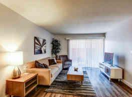 Californian Fountain Apartments - Santa Ana
