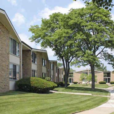 oakwood villa apartments royal oak mi 48073. Black Bedroom Furniture Sets. Home Design Ideas