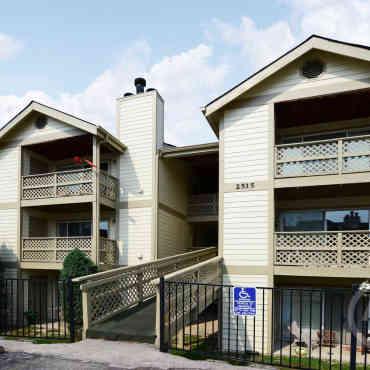 Cross Creek Apartments St Louis