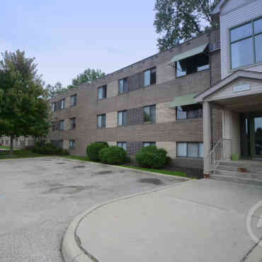 The Apartments At Stuart House Cleveland Oh 44111