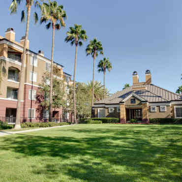 Apartments Near Irvine Valley College