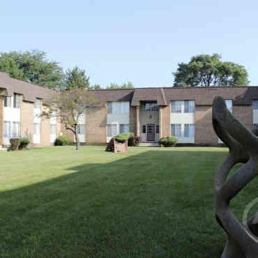 Venoy Pines Apartments Reviews