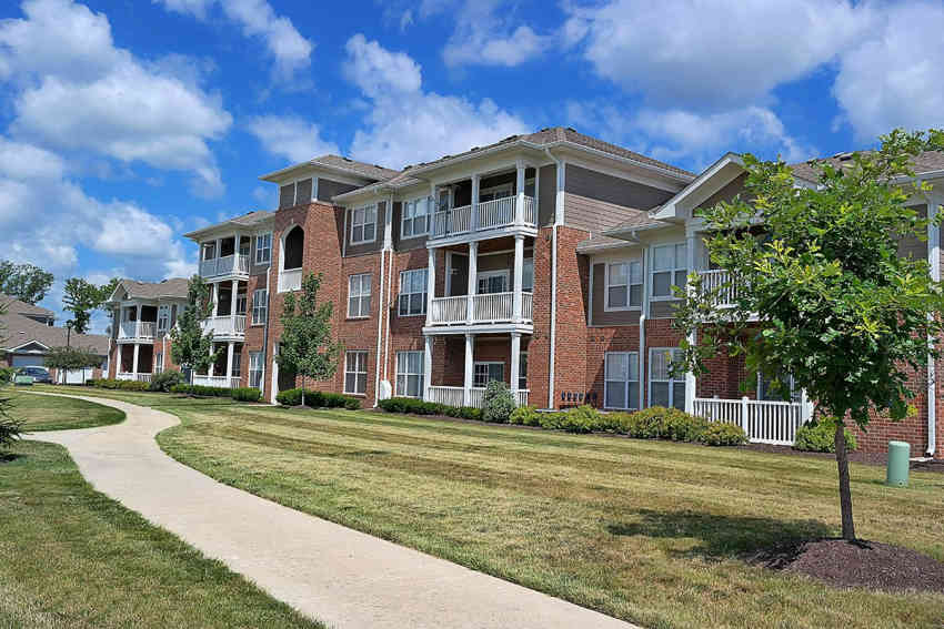 Canyon Club at Perry Crossing Apartments - Plainfield, IN 46168