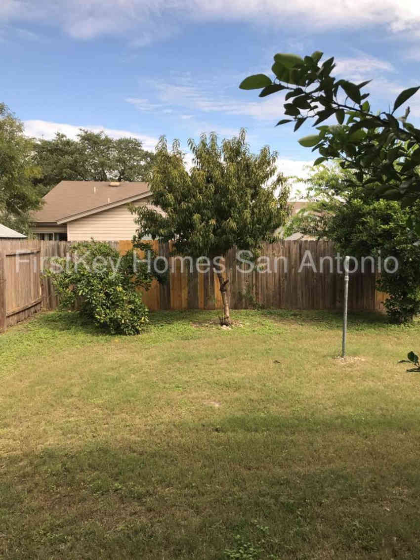 10123 Fourwind Pass Apartments - San Antonio, TX 78245