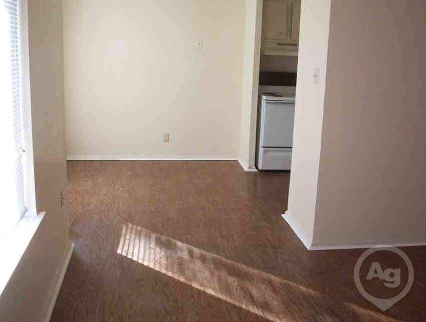 hallmark at preston apartments louisville ky 40219