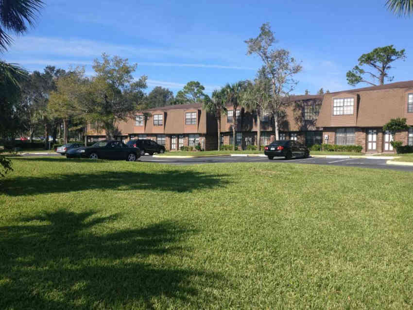 Victoria Gardens Apartments - Port Orange, FL 32127