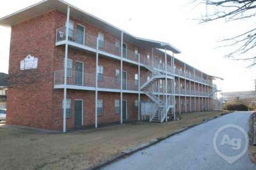 garden court - Garden Court Apartments
