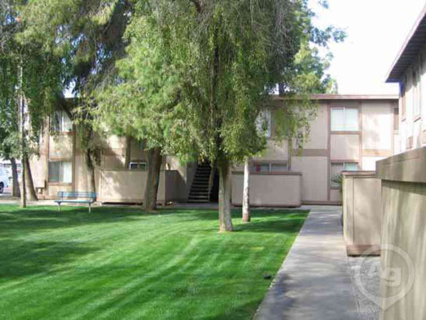 Ridgeway Village Apartments - Phoenix, AZ 85301