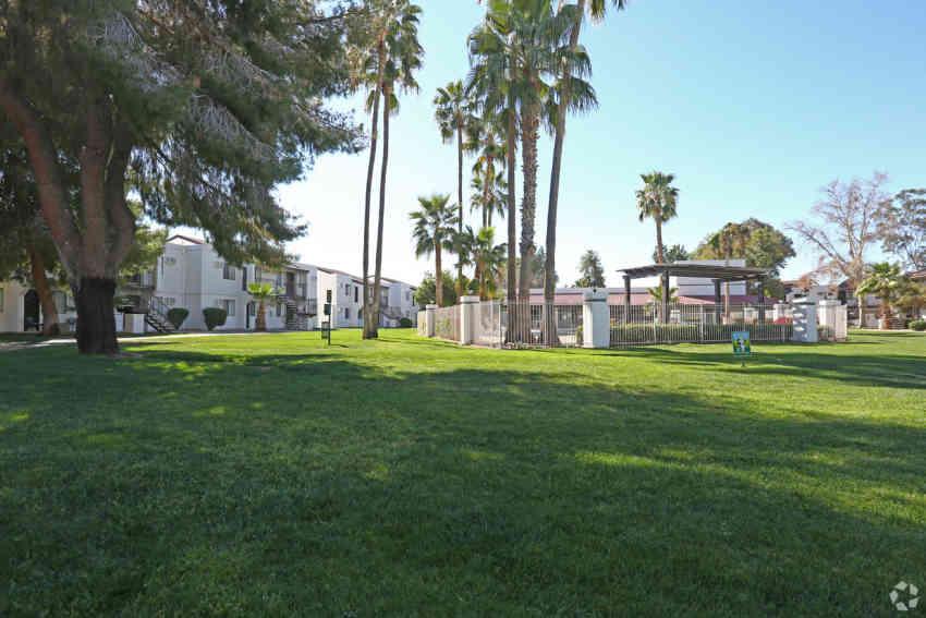 Desert Gardens Apartments - Glendale, AZ 85307
