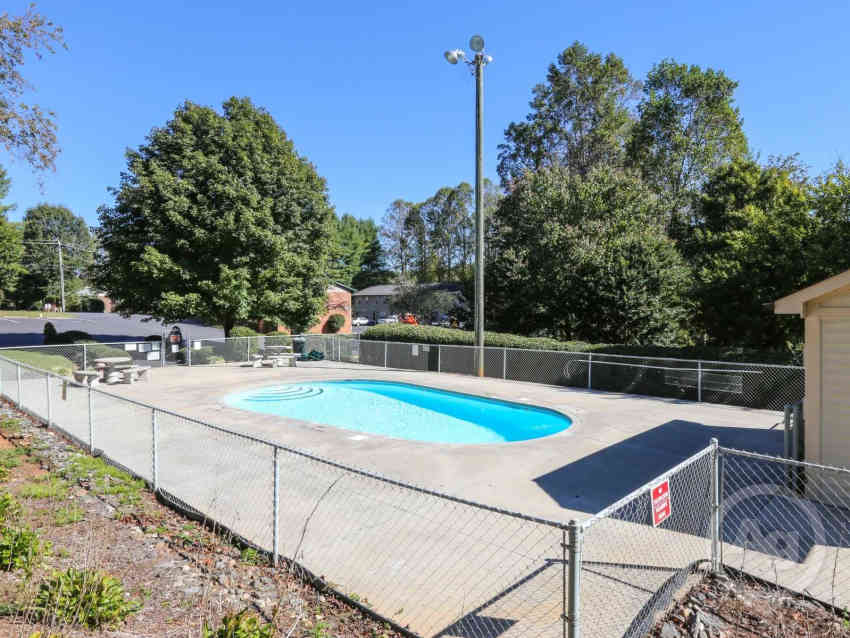 This is the pool at Park View Apartments