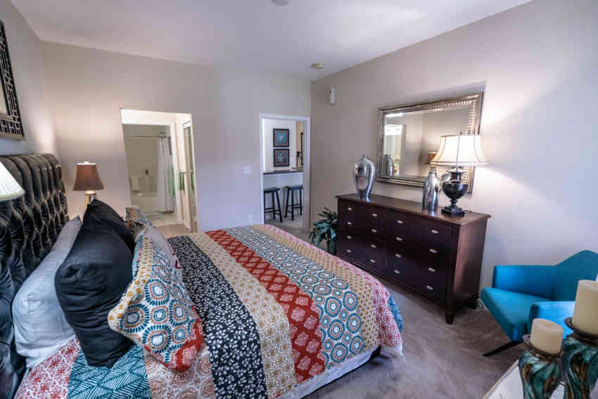 Falcon Creek Luxury Apartments - Hampton, VA 23666