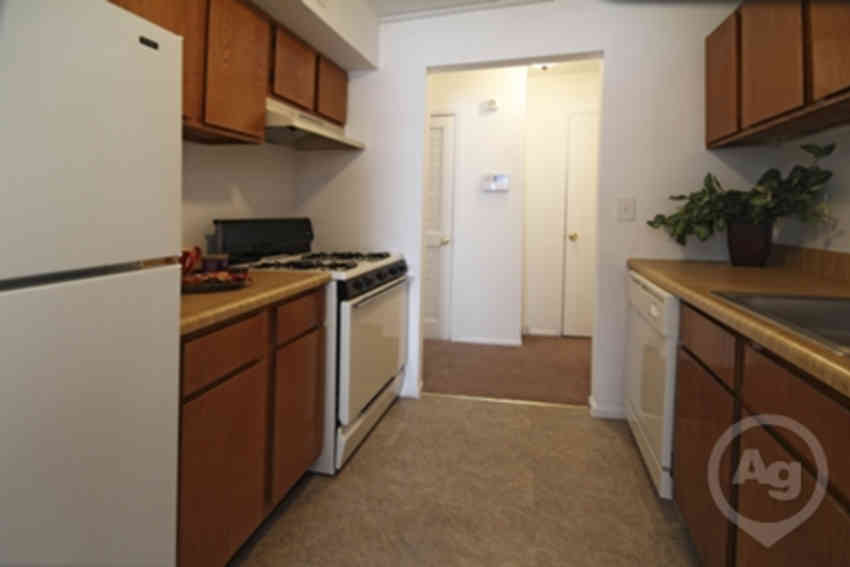 Durham Woods at Edison Apartments - Edison, NJ 08817