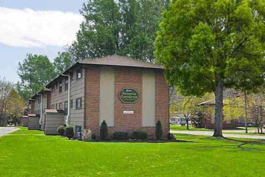 Seneca Garden Apartments - Syracuse, NY 13207