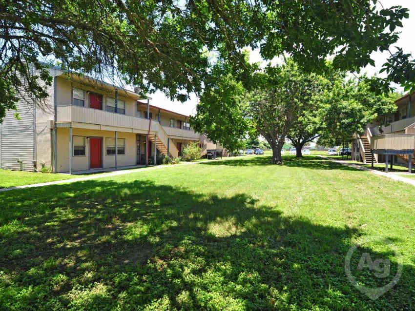 Rockport Oak Garden Apartments - Rockport, TX 78382
