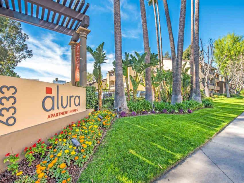 Alura Apartment Homes - Woodland Hills, CA 91367