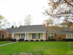 Sprawling Ranch on 3 acres in Naperville!