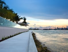 Take a stroll along the baywalk on Biscayne Bay
