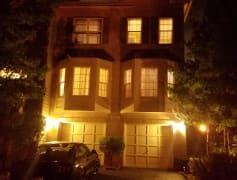 Exterior Home Pic 1.jpg