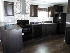 Elegant & modern kitchen w/ matching appliances