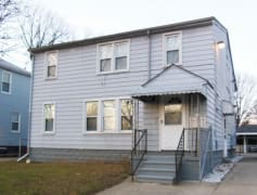 577 Mapledale #4 front.JPG